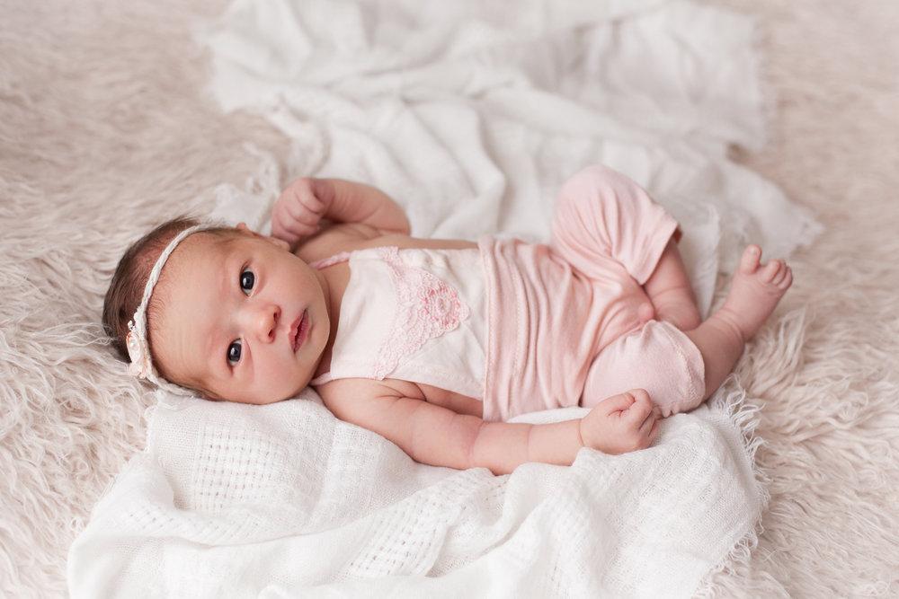 Lilly Newborn 2015-0035.jpg