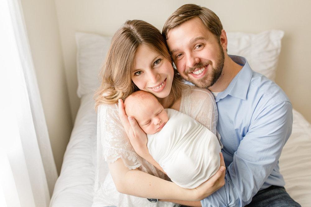 Grove City Ohio Lifestyle Newborn Photographer | Columbus Newborn Photography | Grove City Newborn Photographer | Sarah Cropper Photography