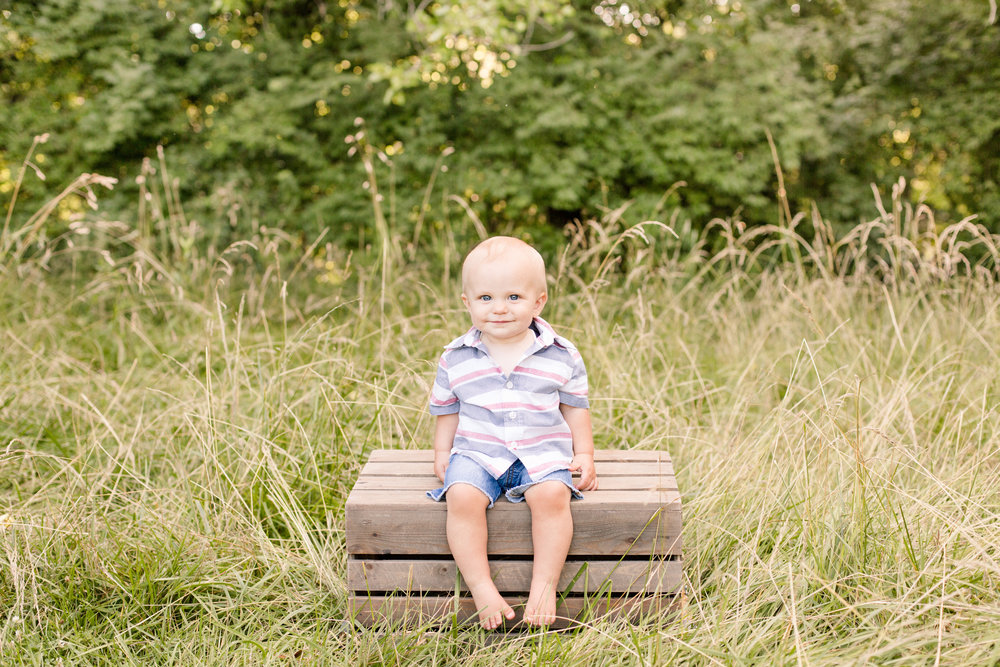 baby-12-month-photo-session-columbus-ohio-sarah-cropper-photography.jpg