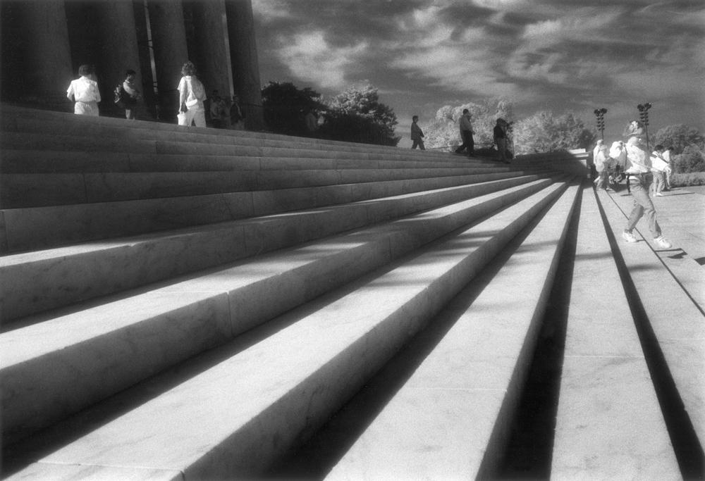 16Karen_Lincoln Memorial Steps_MEG Website.jpg