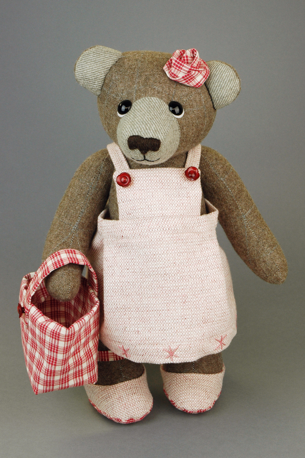 OOAK artist teddy bear Rose by Laura Mirjami