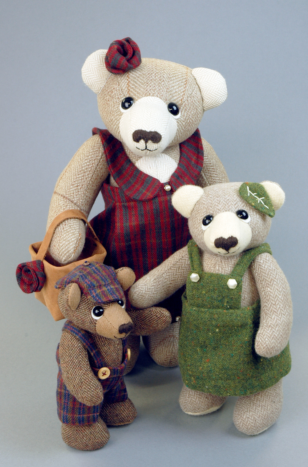 OOAK artist bears by Laura Mirjami.
