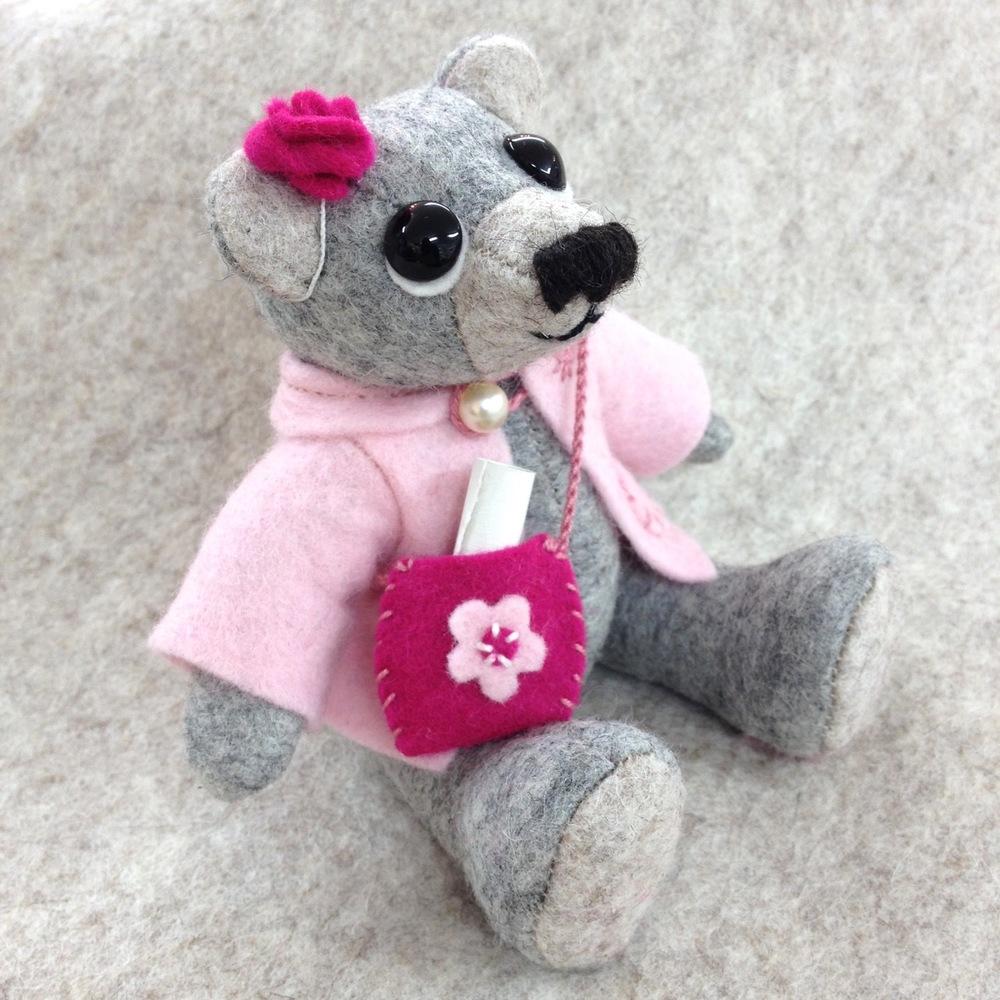 OOAK artist teddy bear Rosa.