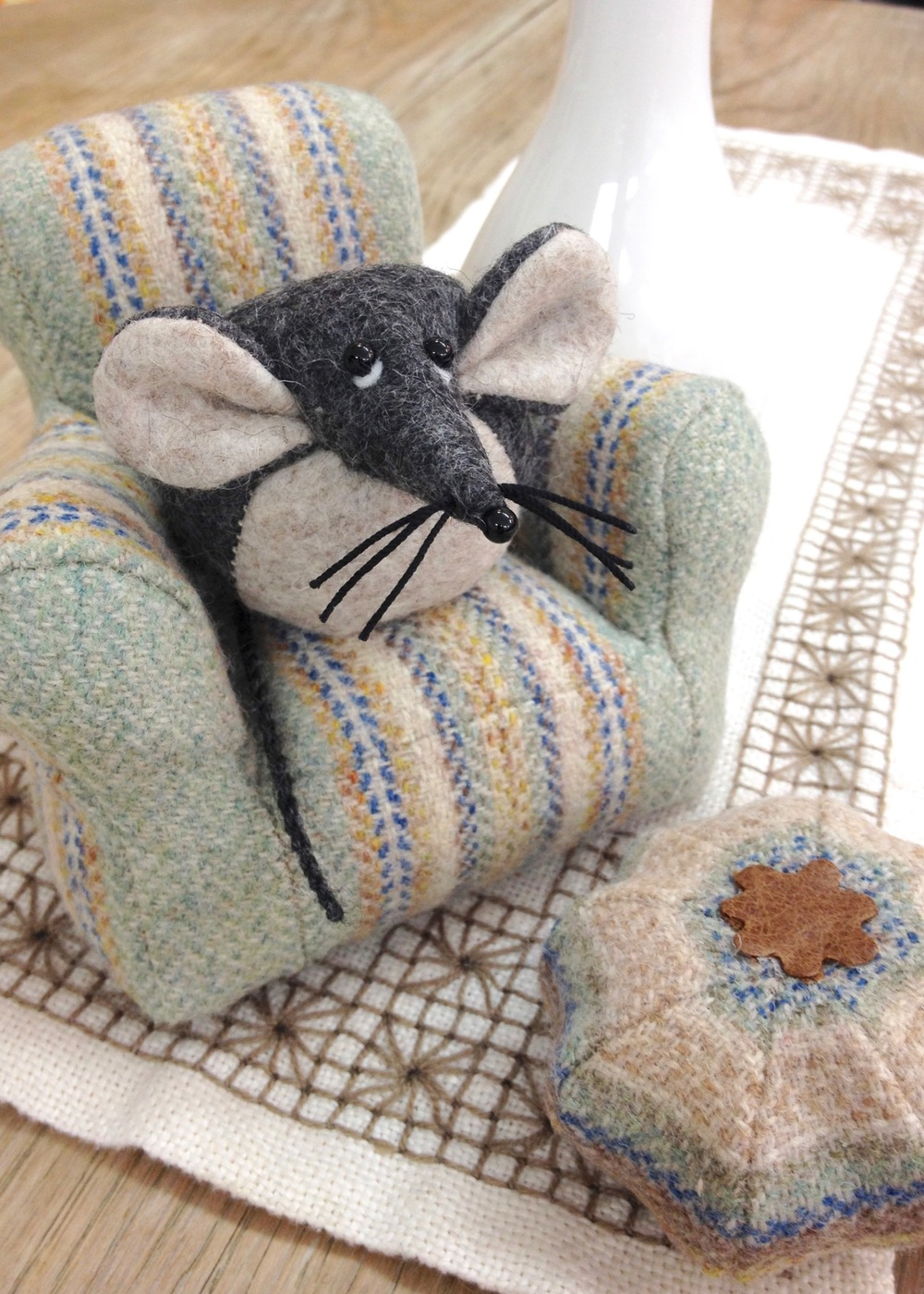 Mika the Mouse having a little rest on his tweed armchair handmade by Laura Mirjami | Mirjami Design.