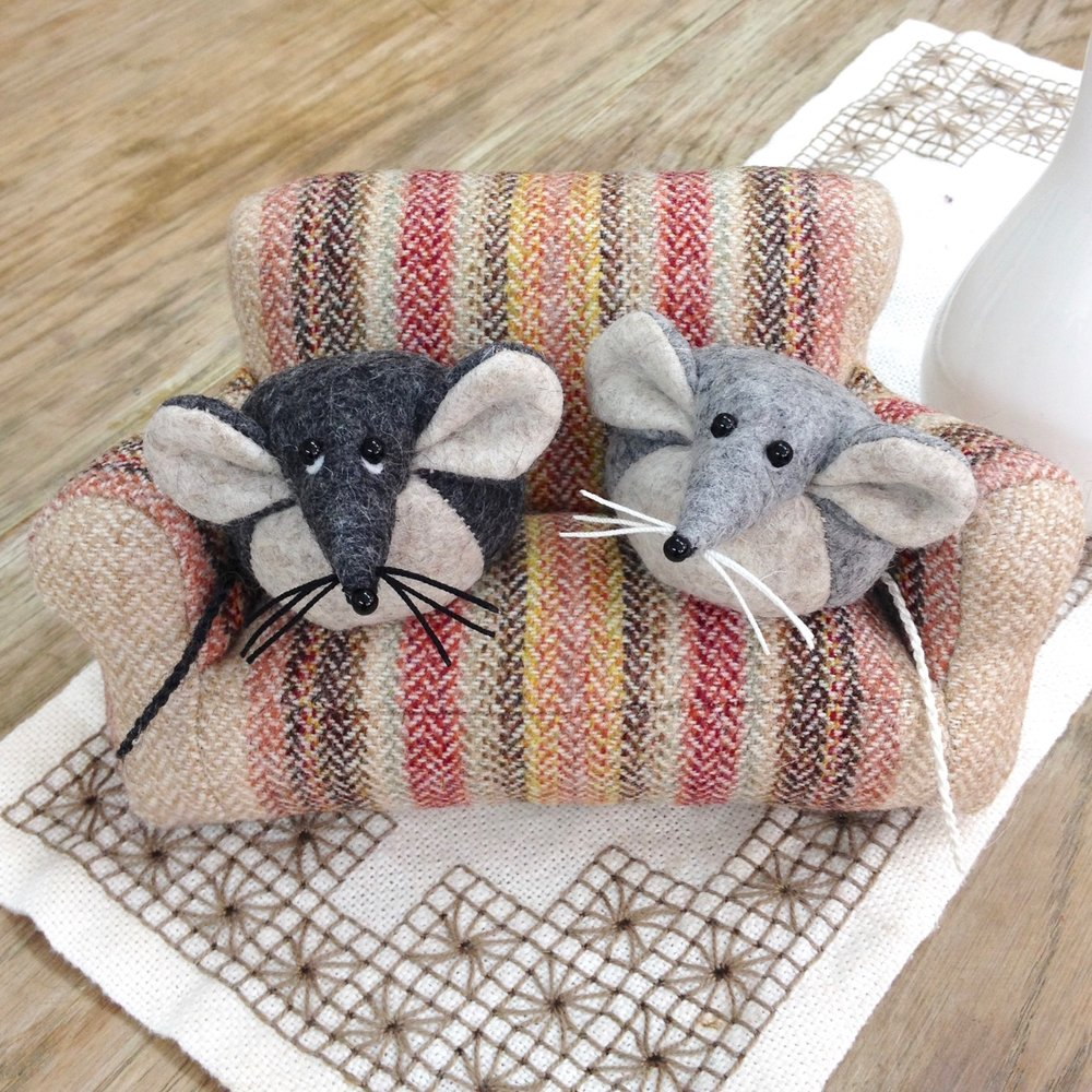 Bilberry Woods characters Mika and Marie the Mouse and miniature sofa by Laura Mirjami | Mirjami Design