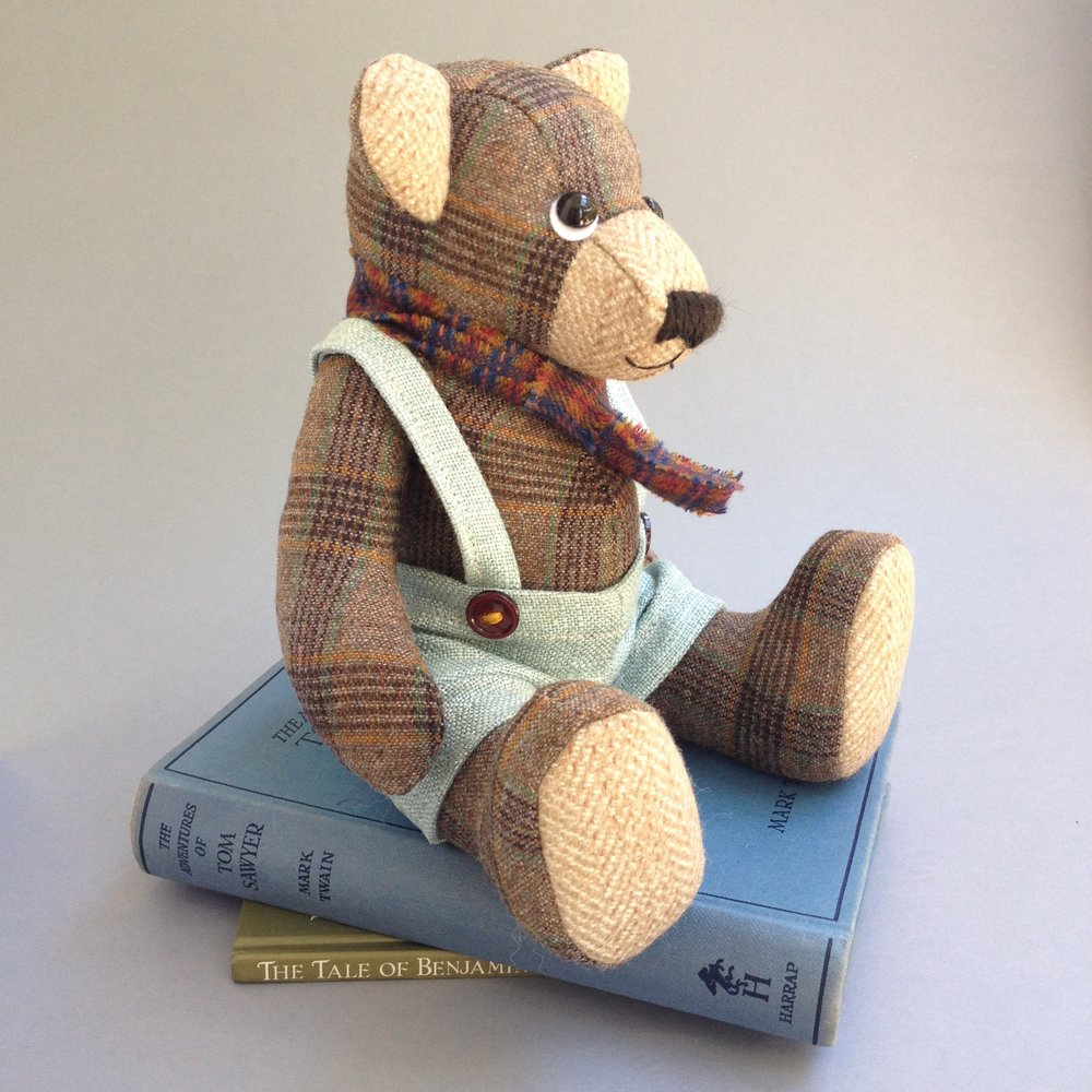 Ronald artist bear by Laura Mirjami | Mirjami Design