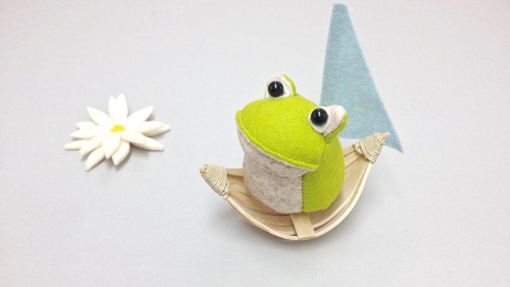 Bilberry Woods storybook character Croaker the Frog handmade from wool felt by Laura Mirjami | Mirjami Design.