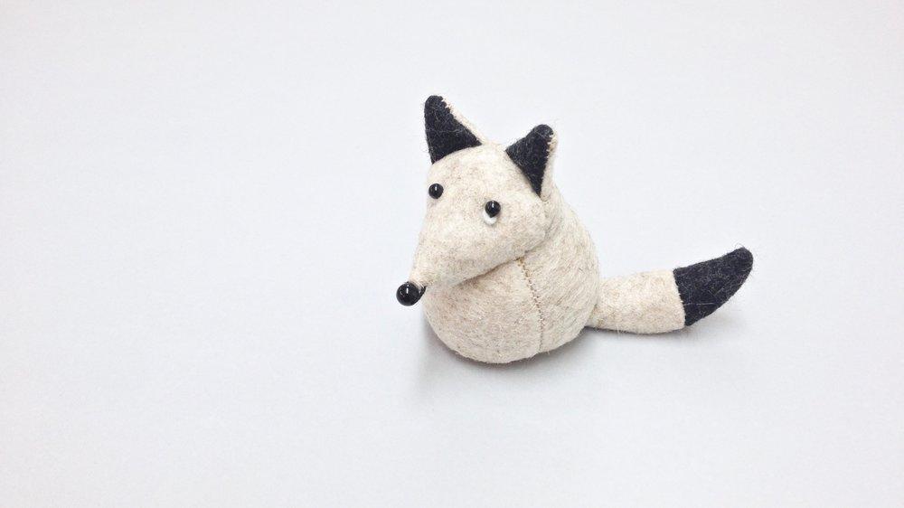 Bilberry Woods storybook character Fleming the Arctic Fox handmade from wool felt by Laura Mirjami | Mirjami Design.