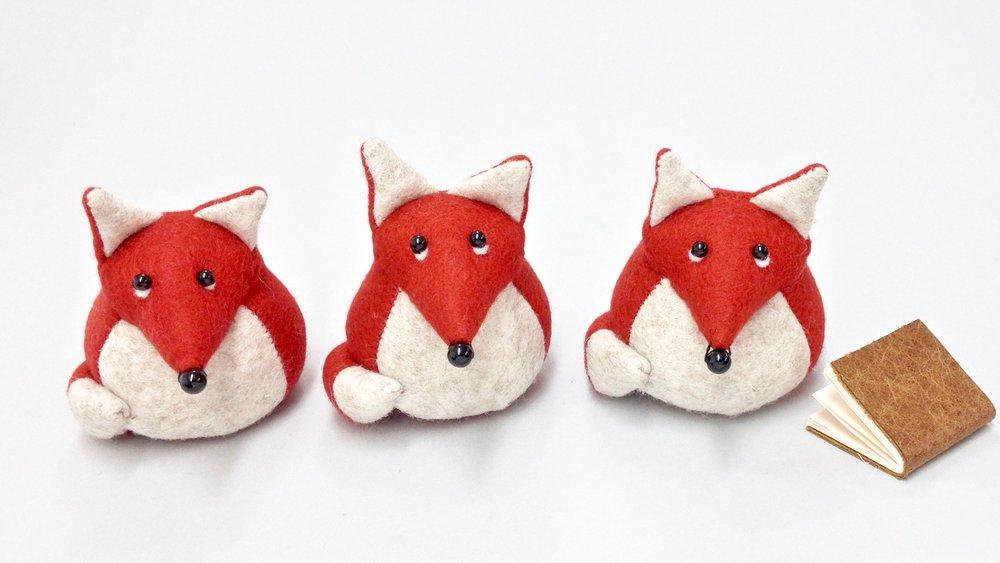 Bilberry Woods storybook character Findlay the Fox handmade from wool felt by Laura Mirjami | Mirjami Design.