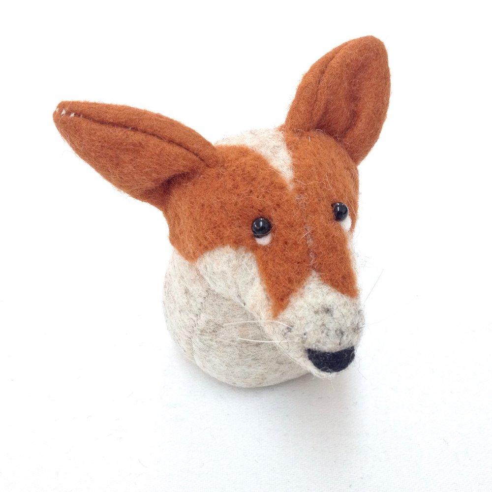 Felt animal commissions by Laura Mirjami