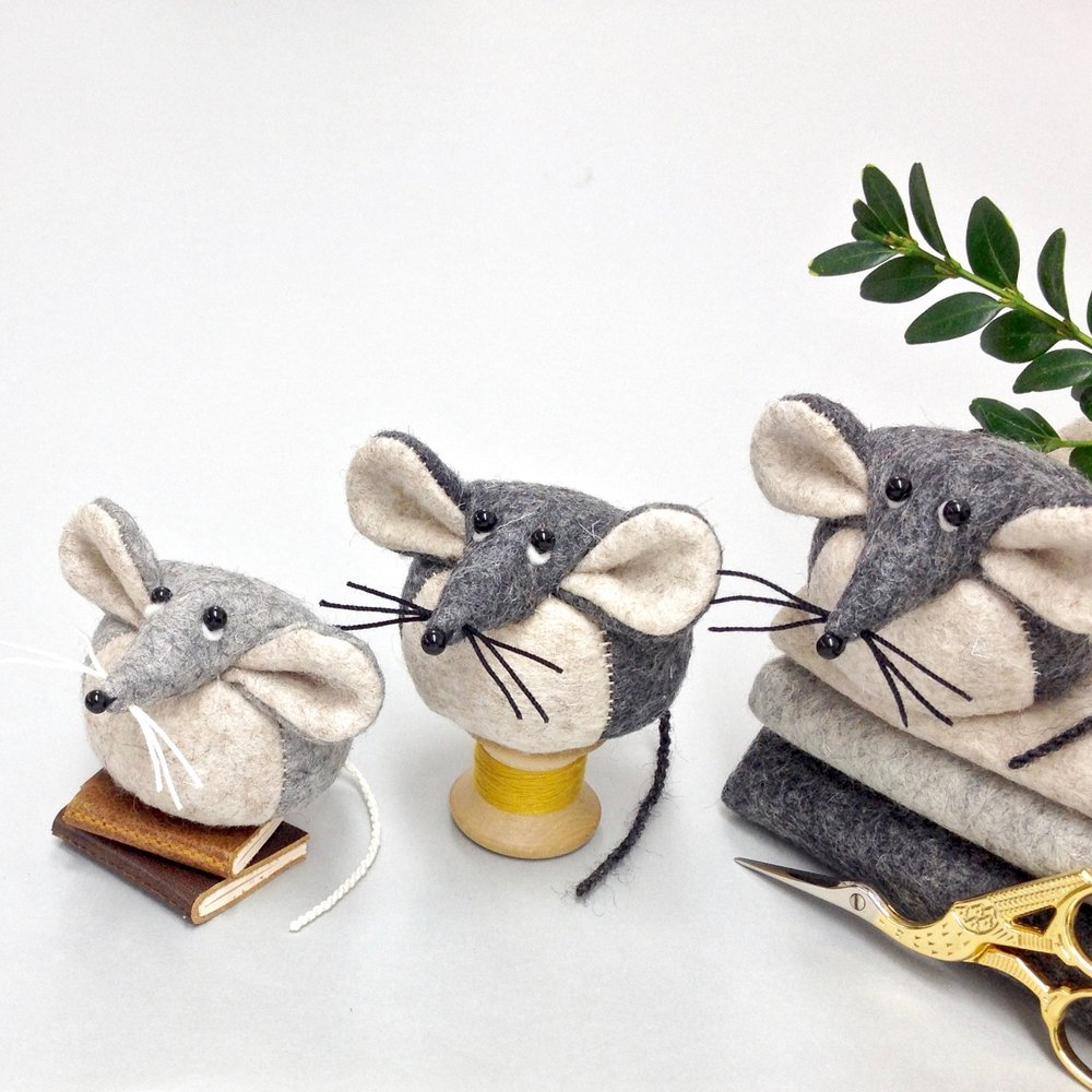 Bilberry Woods mouse characters handmade from wool felt by Laura Mirjami