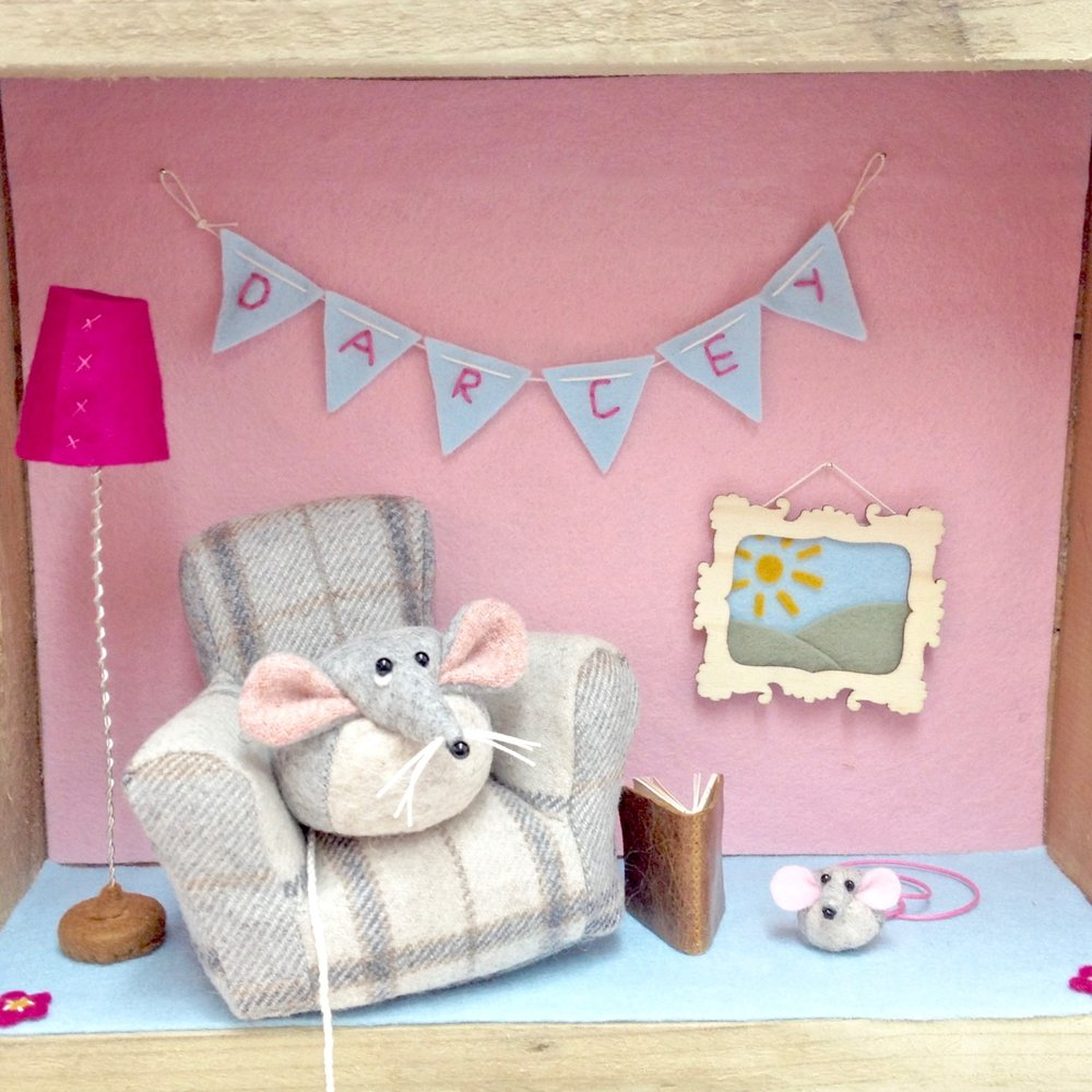 Felt mouse diorama by Laura Mirjami