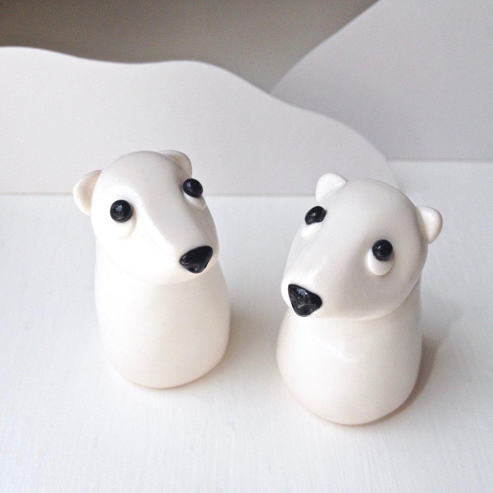 Handmade Fimo polymer clay polar bear figurines by Laura Mirjami