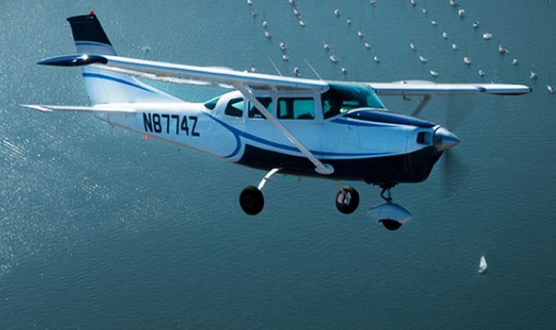 5 person Cessna Tour planes are available