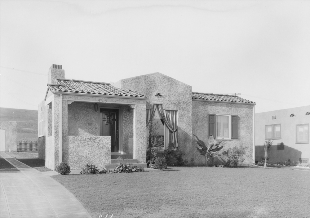 Homes_in_View_Park_Southern_California_1927_image_1.jpg