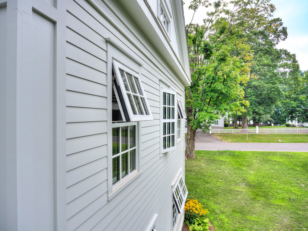 Taft_Faculty_House_windows.jpg