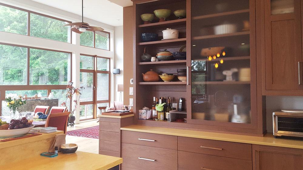 Modern-hillside-house-kitchen.jpg