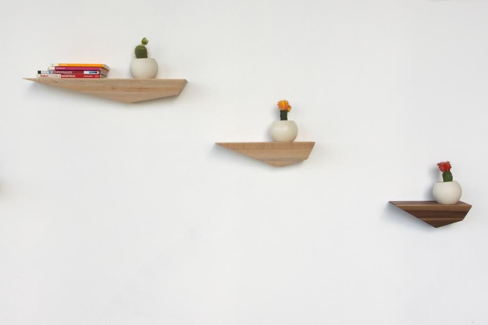 Set of 3 Peliships with Elkamii Pots