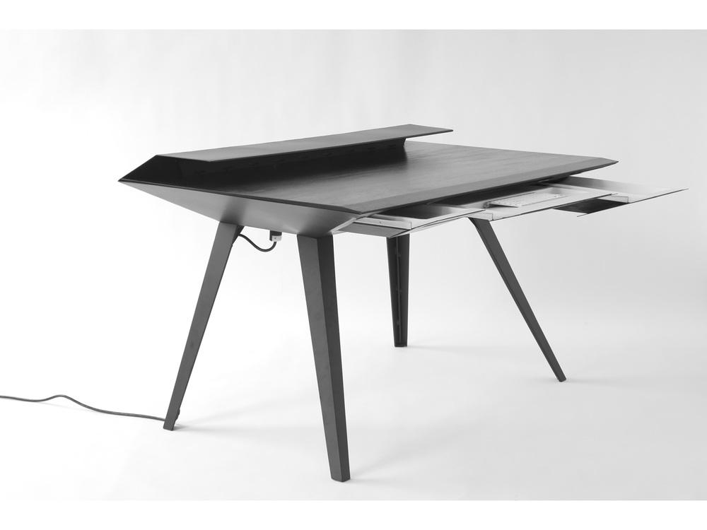 desk117p-4@2x.jpg