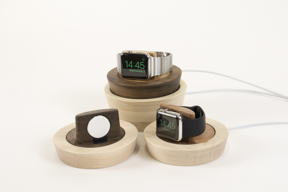 42mm & 38mm Apple Watches on Saucers and Accessories Bowl