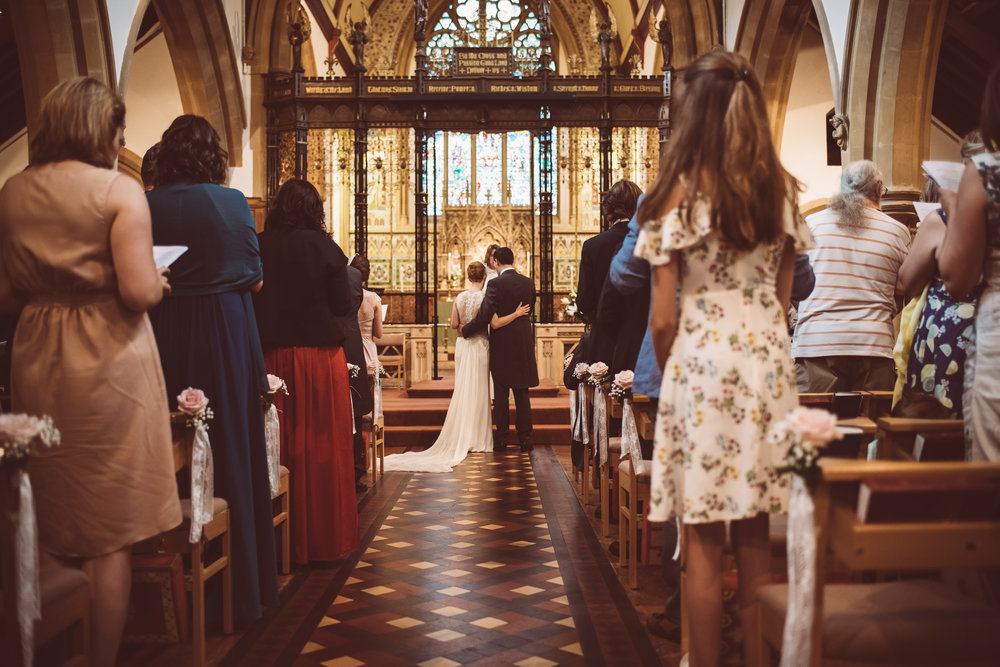 surrey-traditional-country-club-wedding-197.jpg