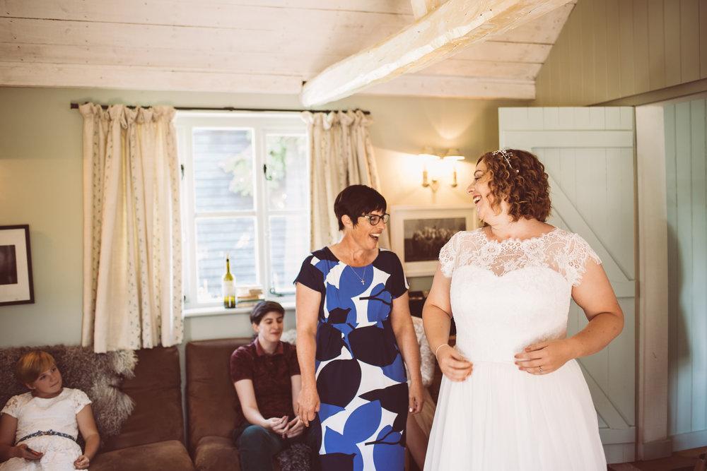 weddings-in-the-wood-rustic-garden-party-wedding-10.jpg
