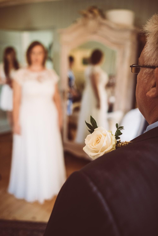 weddings-in-the-wood-rustic-garden-party-wedding-20.jpg
