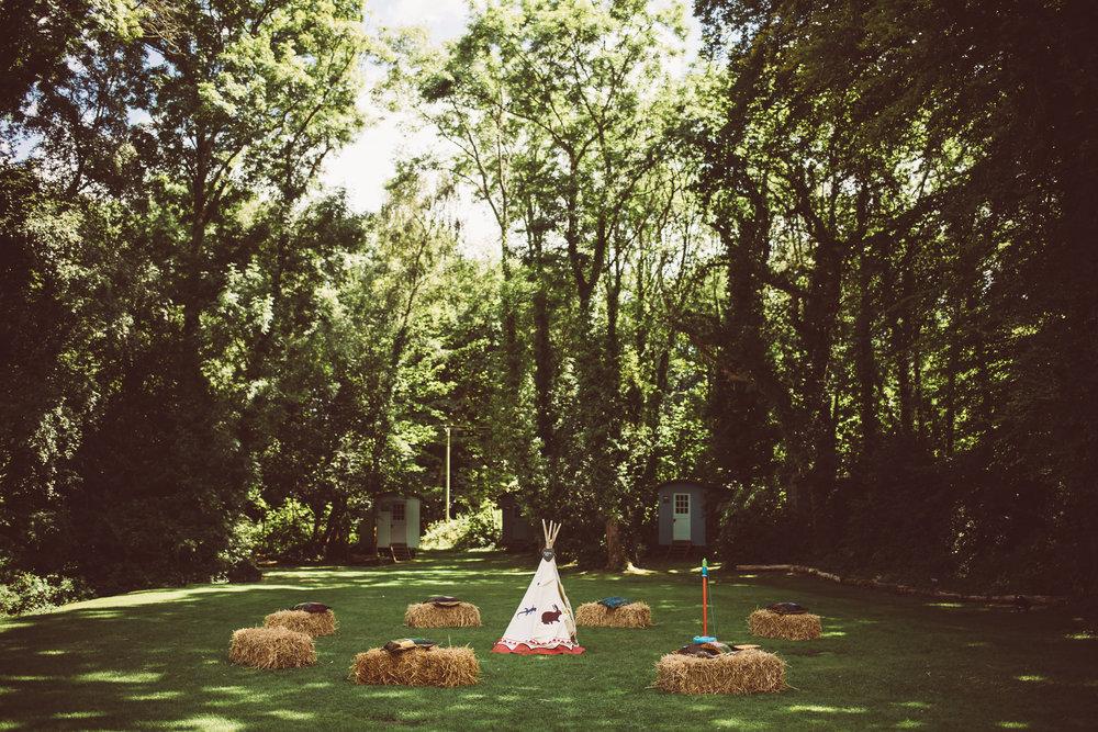 weddings-in-the-wood-rustic-garden-party-wedding-32.jpg