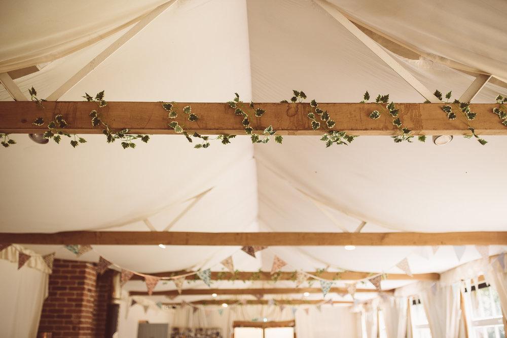 weddings-in-the-wood-rustic-garden-party-wedding-35.jpg