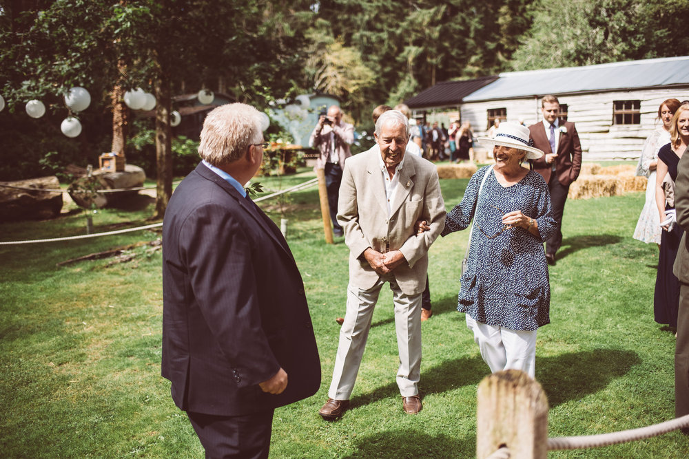 weddings-in-the-wood-rustic-garden-party-wedding-89.jpg