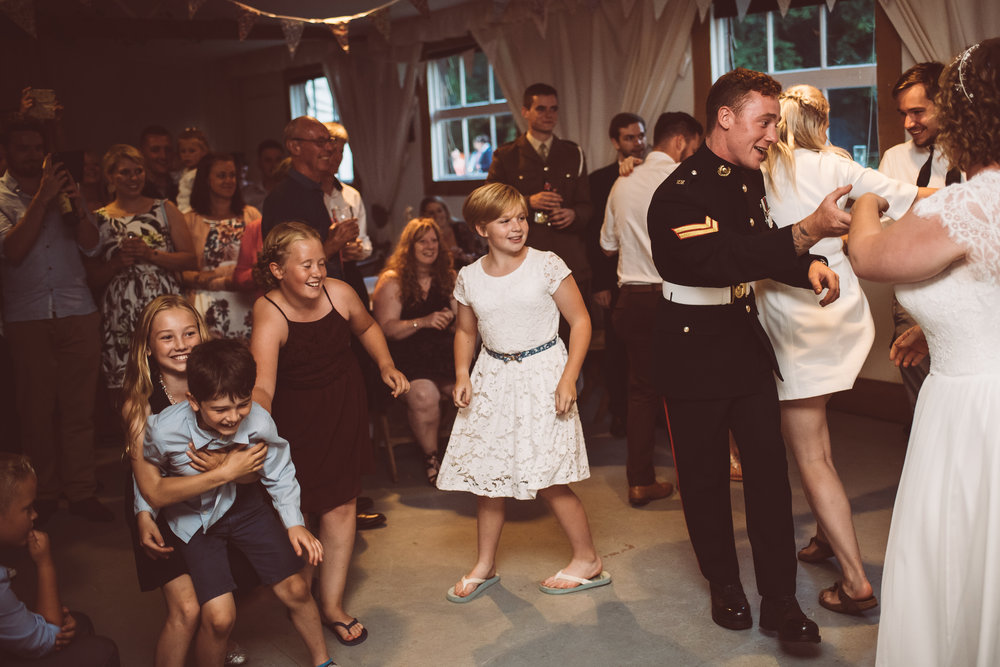 weddings-in-the-wood-rustic-garden-party-wedding-189.jpg