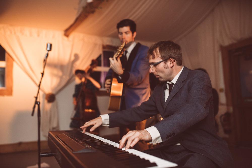 weddings-in-the-wood-rustic-garden-party-wedding-208.jpg