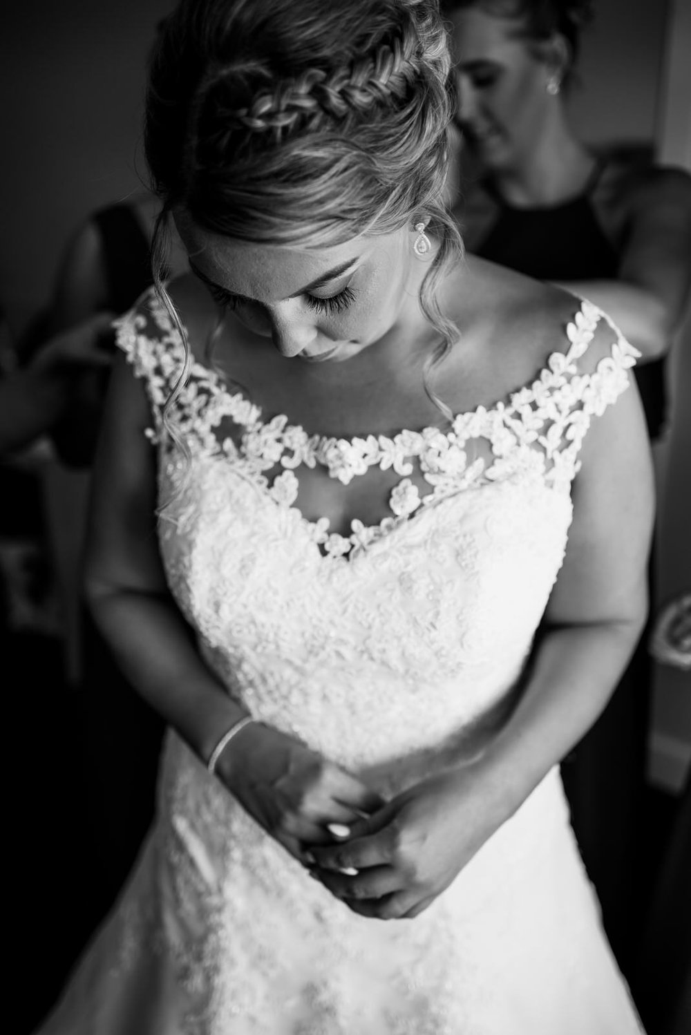 how-do-you-photograph-the-bridal-preparations-hampshire-photography-questions-3.jpg