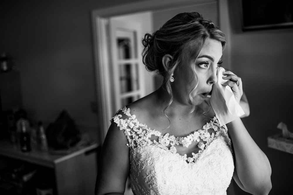 how-do-you-photograph-the-bridal-preparations-hampshire-photography-questions-16.jpg