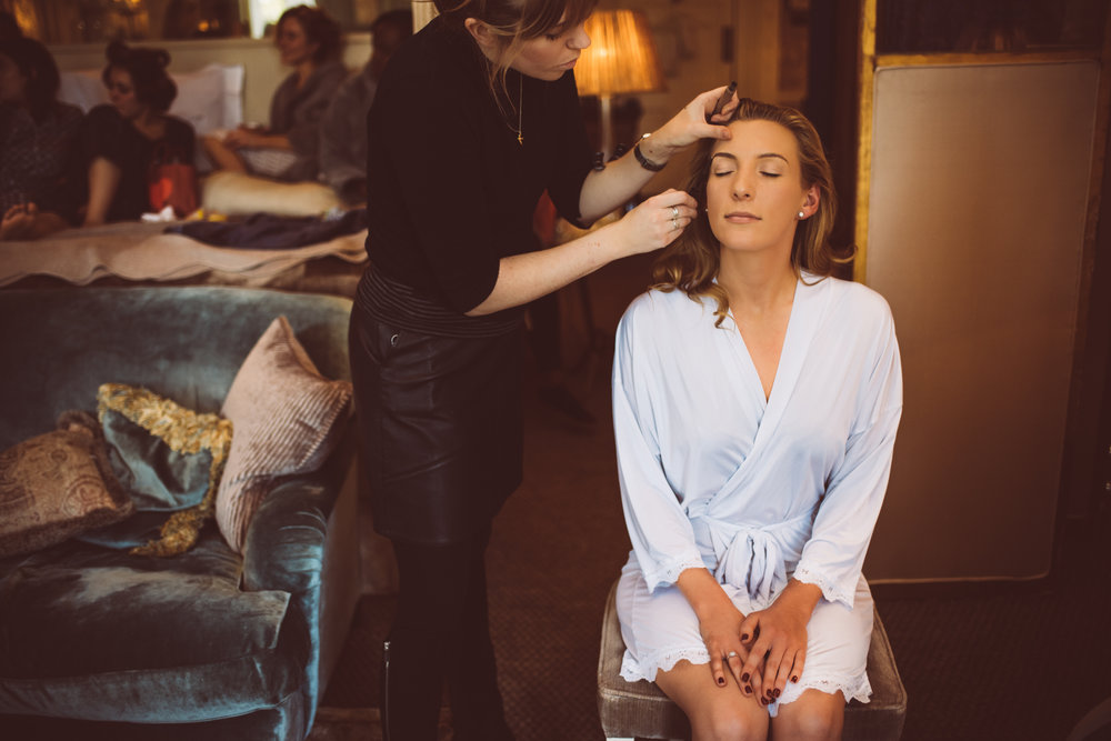 how-do-you-photograph-the-bridal-preparations-hampshire-photography-questions-20.jpg
