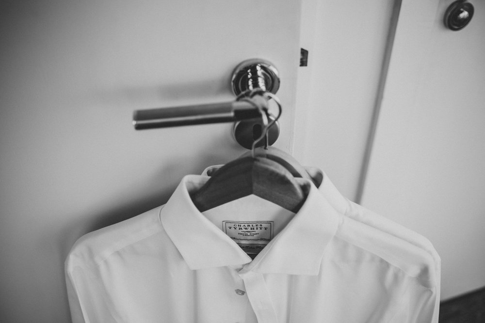 how-do-you-photograph-the-groom-preparations-hampshire-photography-questions-18.jpg