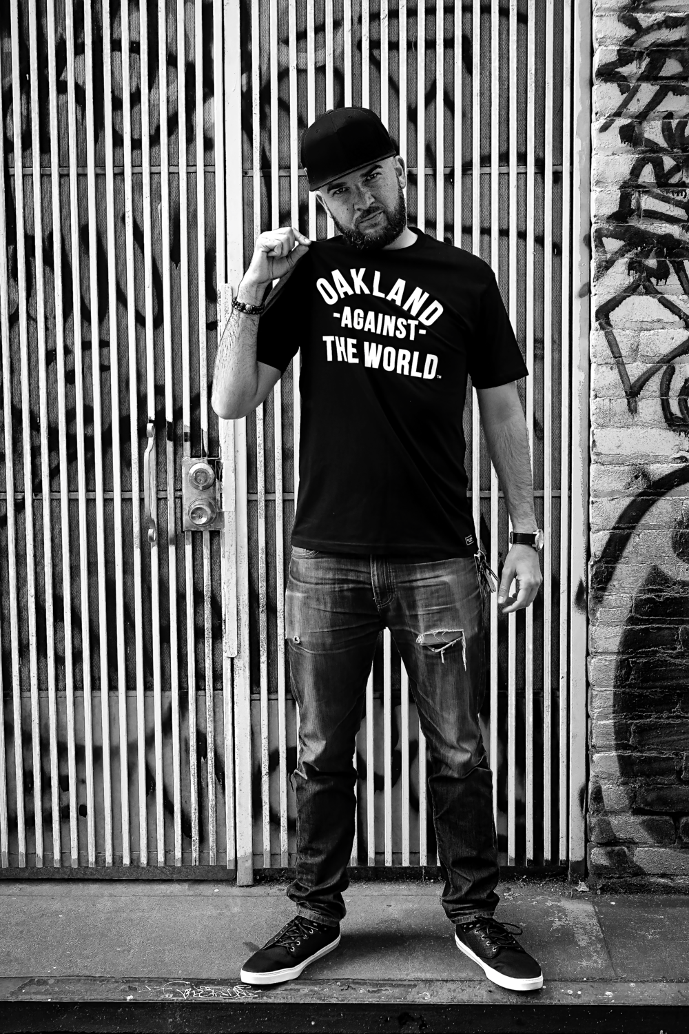 Sky Oak Co_Gallery_Oakland_Against_the_World_black_tee_color_pop.png