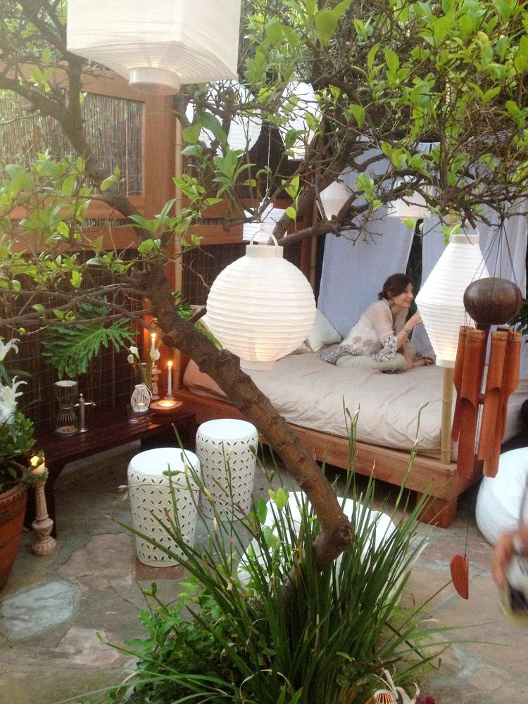 3b-cabana-during-party.jpg
