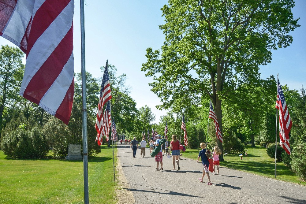 People enter Riverside Cemetery for a Memorial Day ceremony in south Fargo on Monday, May 30, 2016. Rick Abbott / The Forum