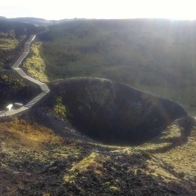 can't stop thinking about this icelandic crater, just fyi weaving has been slow (stopped) because emotions are weird and transitional seasons are weird. what keeps me going is that i have teaching and community weaving events to look forward to. 🔮