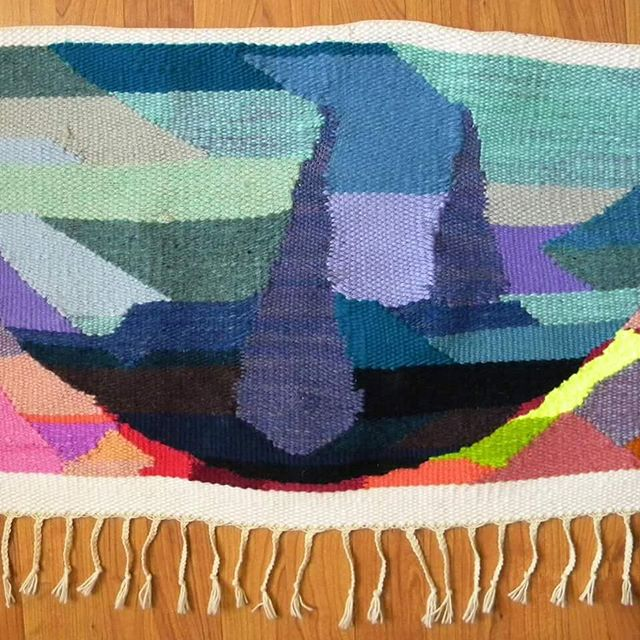 Saturday, November 17 at 10 or 1 ➿ Come join us at Trohv for a tapestry weaving workshop! Learn all about the overs and unders of weaving by exploring texture, shape, and color. This workshop is always so much fun!  #thebmorecreatives #weaveweird #baltimoreartist