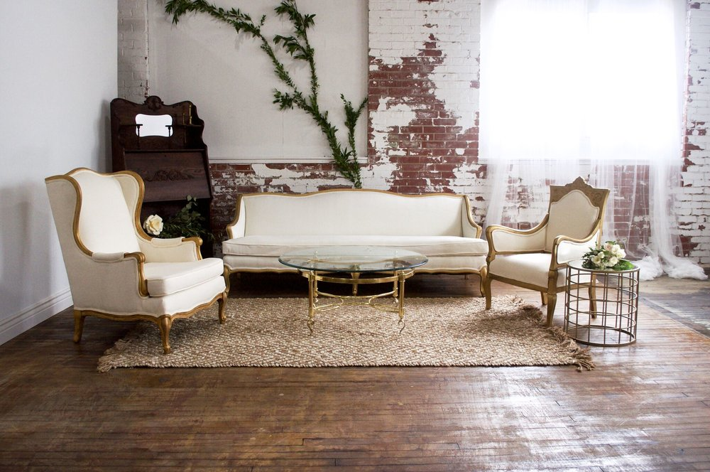 Eleanore Classic Lounge