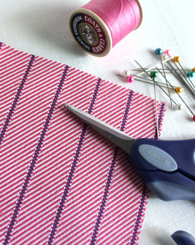 SummerSewing-PinkTopSupplies.jpg