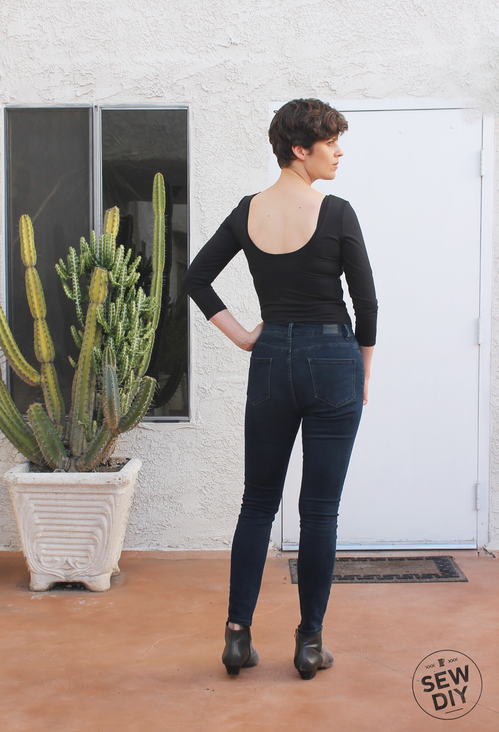 DIY Black Scoop Back Nettie Bodysuit – Sew DIY