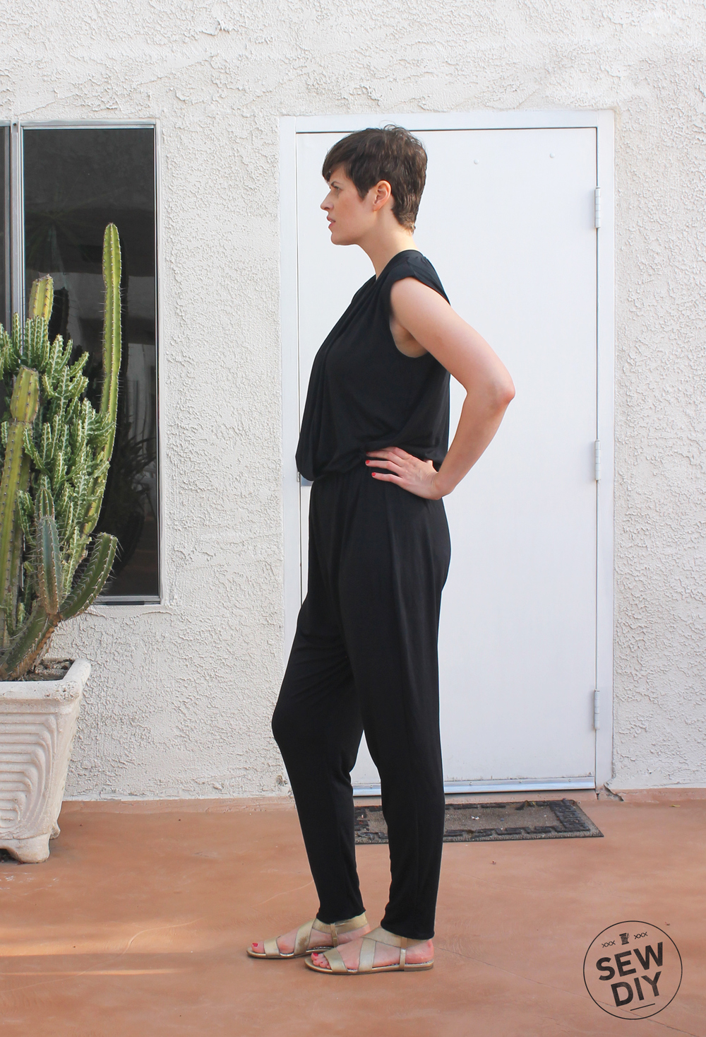 DIY Black Knit Jumpsuit McCall's M7099 – Sew DIY