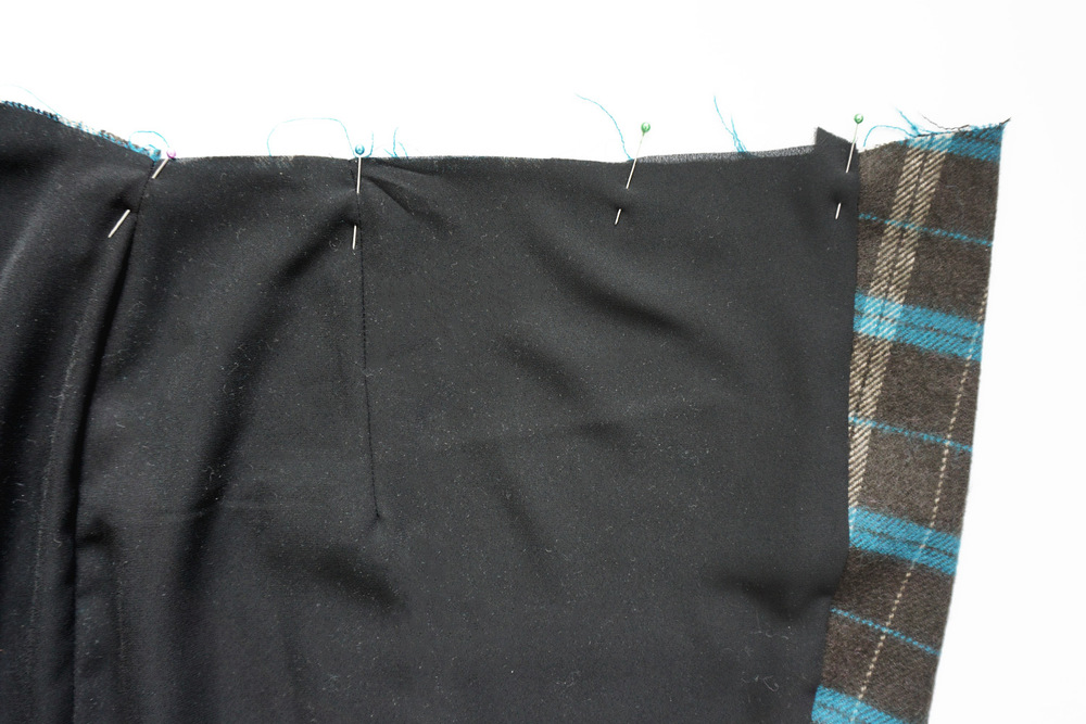 Nita Wrap Skirt Sewalong Day 4: Baste the Lining to the Skirt | Sew DIY