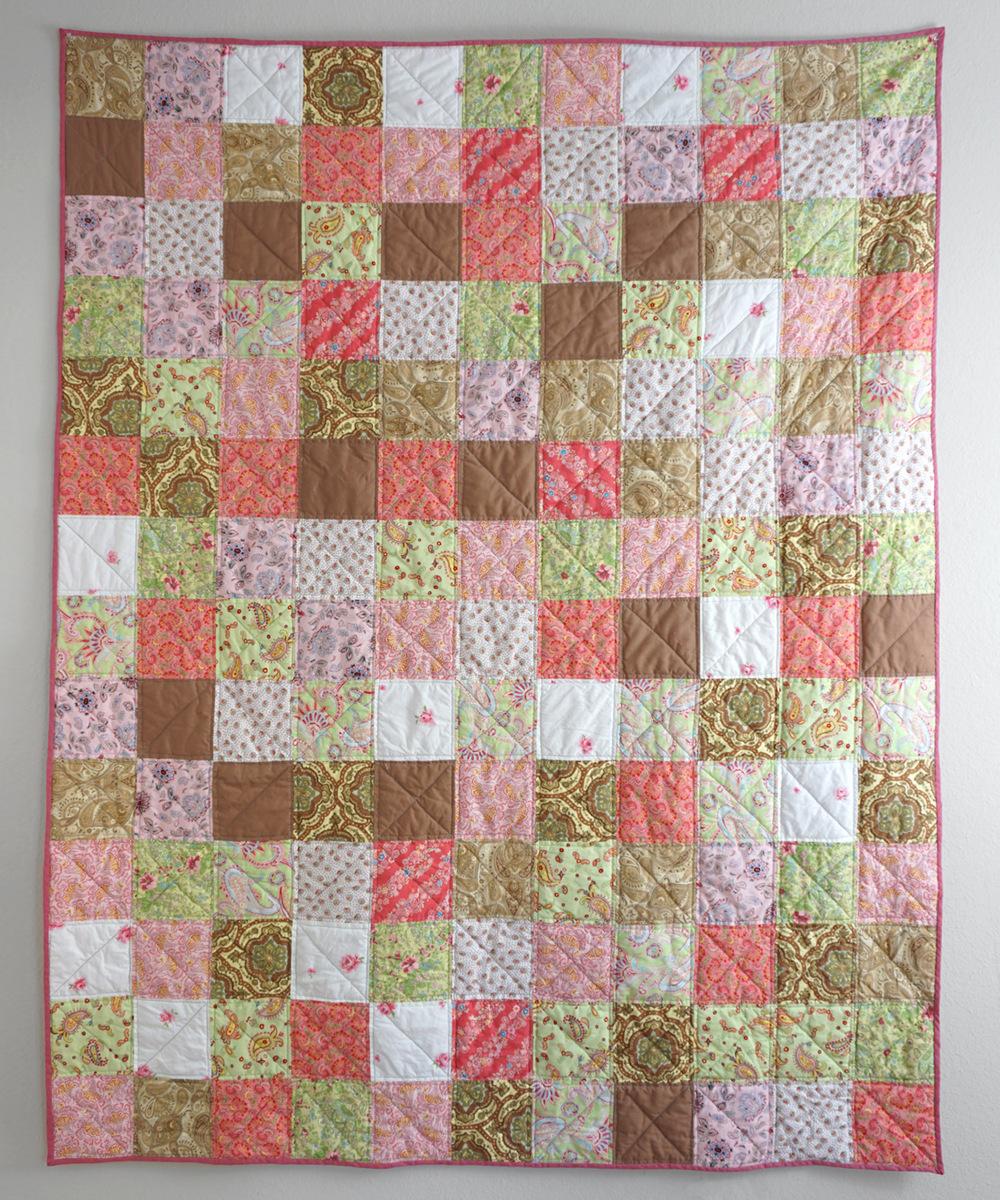 Pink Squares Quilt | Sew DIY
