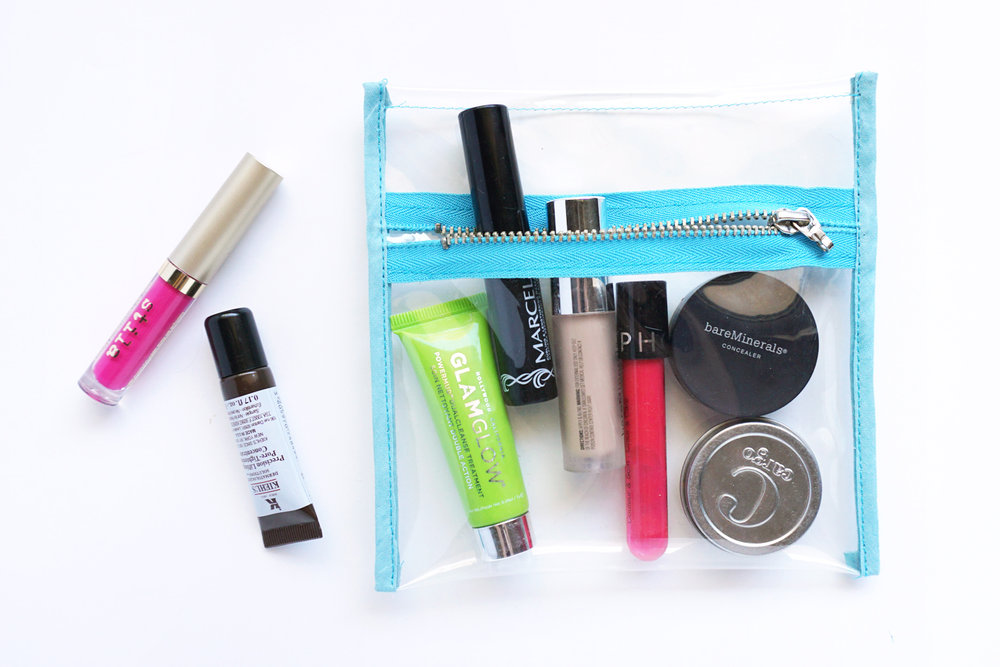 Click to learn how to make a super easy makeup pouch.
