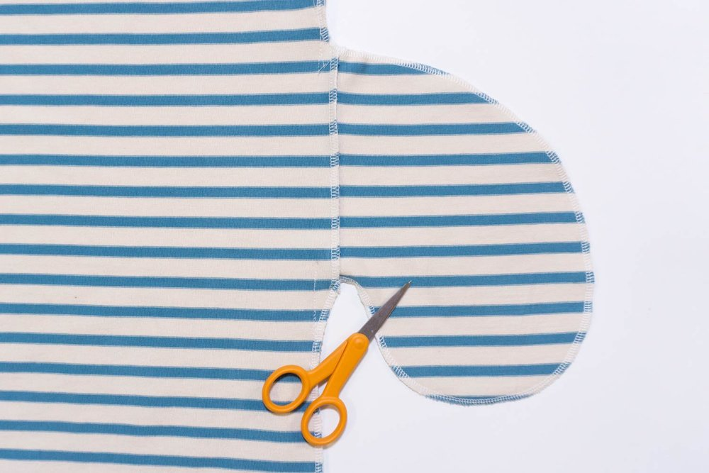 How to Sew a In-Seam Pockets with a Serger – Lou Box Dress Sewalong Day 7 | Sew DIY