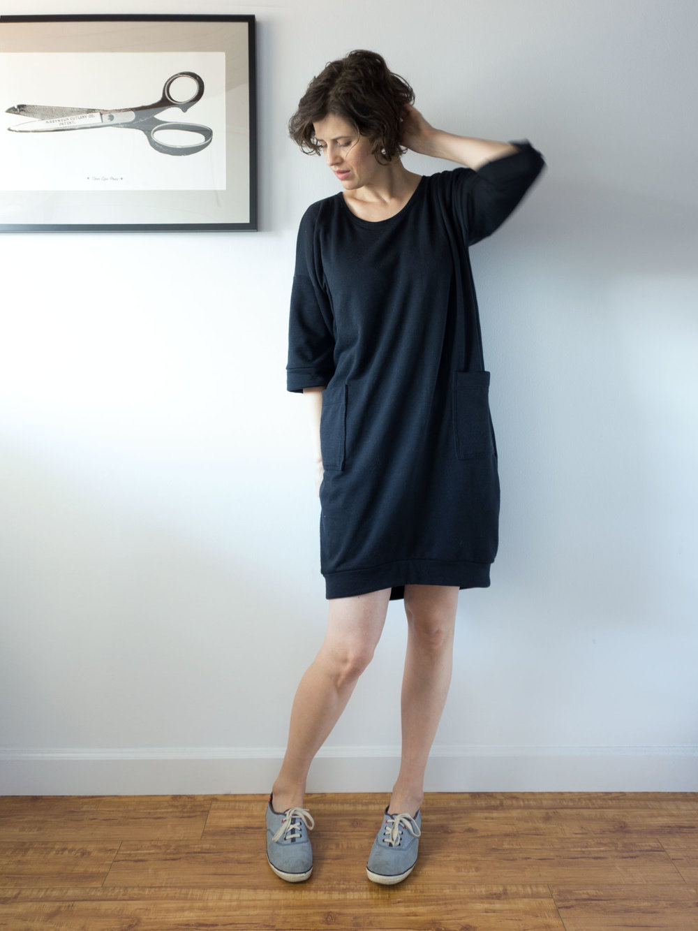 Black Sweatshirt Dress – Lou Box Dress 1 | Sew DIY